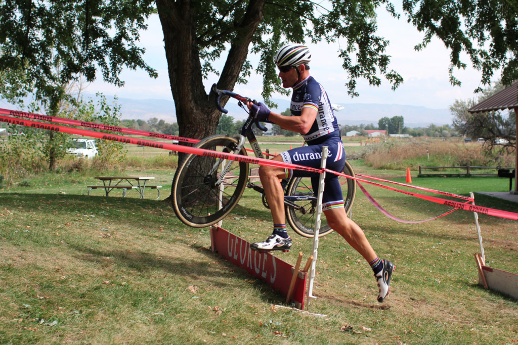 Richard Feldman demonstrating World Champion technique gliding up the barriers